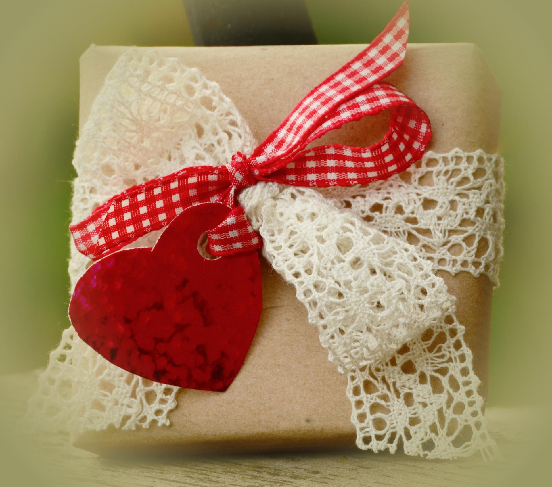gift-1196258_1920